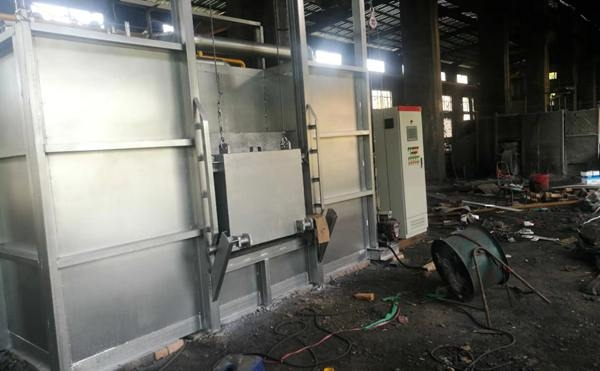 即将完工的蓄热式锻造炉