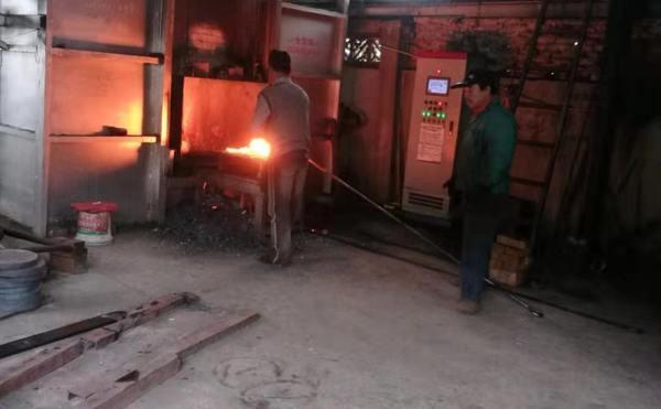 小型贯通锻造炉